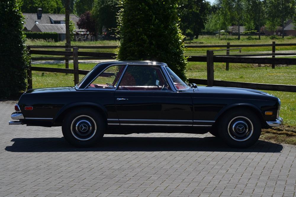 Classic park cars mercedes benz 250 sl for Mercedes benz winter park