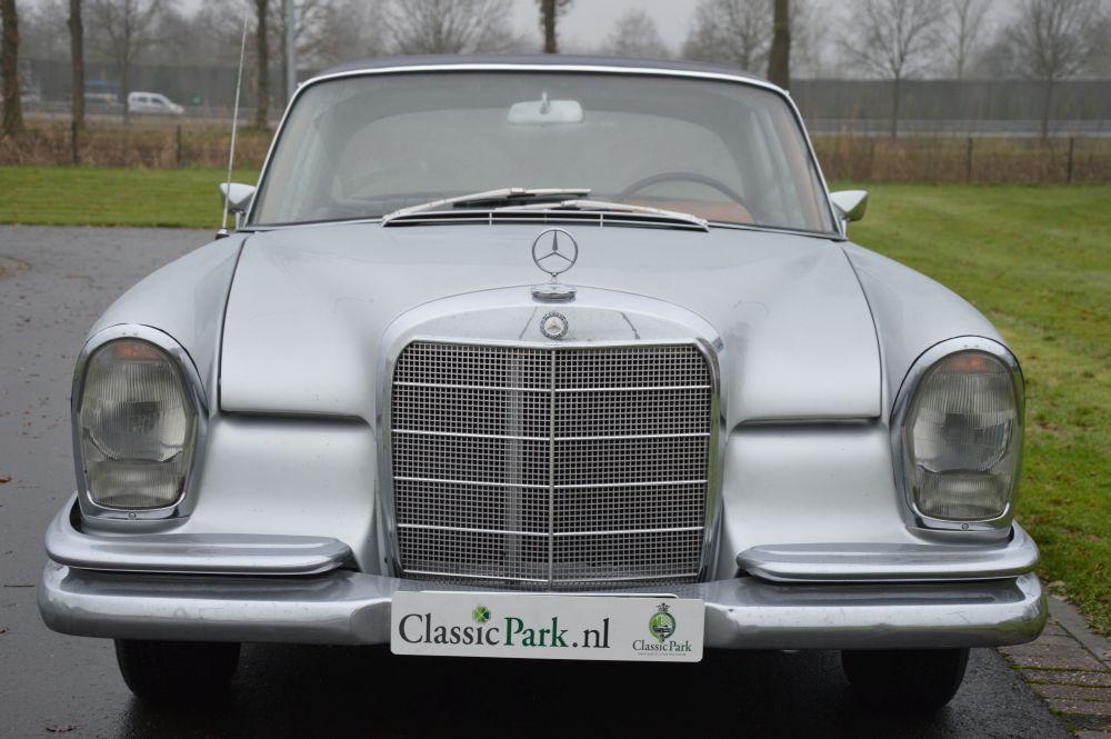 classic park cars mercedes benz 250 se coupe. Black Bedroom Furniture Sets. Home Design Ideas